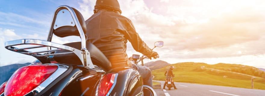 ¿Sabes qué accesorios cubre el seguro de moto?