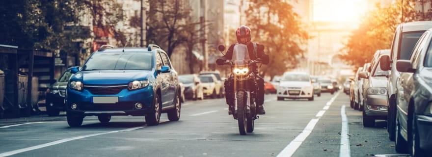 Las razones por las que usar un rastreador online de seguros de moto